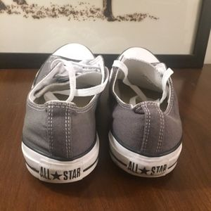 Converse Shoes - EUC Converse Chuck Taylor All Star Low Sneaker